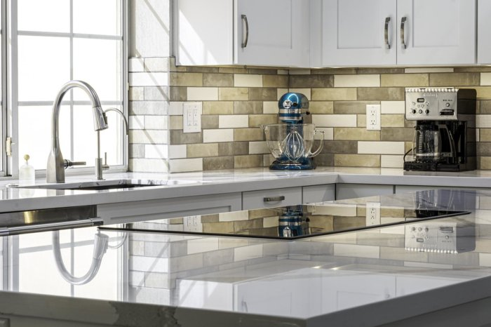 From Stove to Sink Weeks and Mitchell provides high quality Luxury Kitchen Remodels