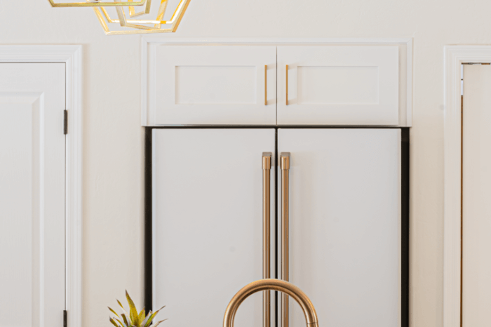 Gold Lighting Accents - Kitchen Remodeling Ahwatukee